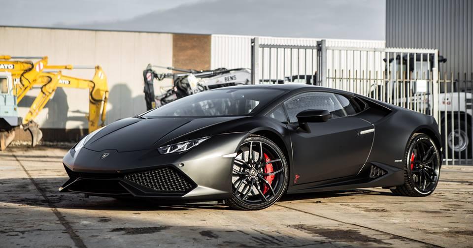 Mattschwarz Lamborghini Huracan LP610 4 Folierung Akrapovic 1
